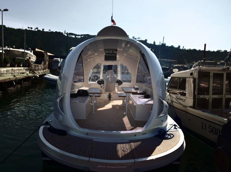 jetcapsule design yacht