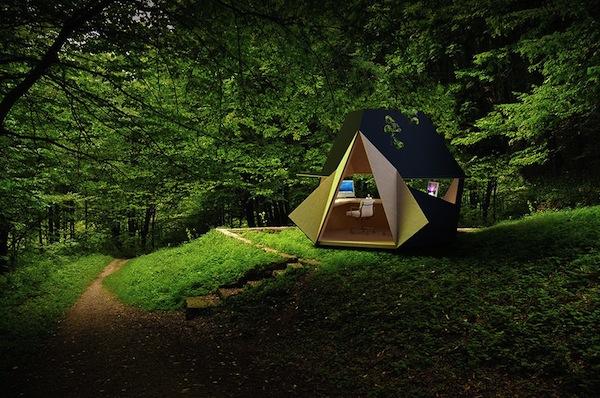 mini ufficio nella natura
