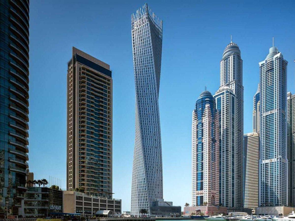 Ufici Cayan-Tower-Dubai