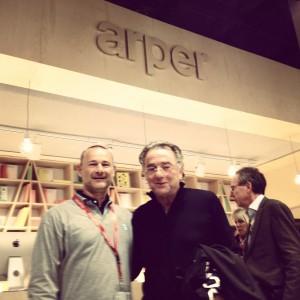 Arper stand con Alberto Lievore